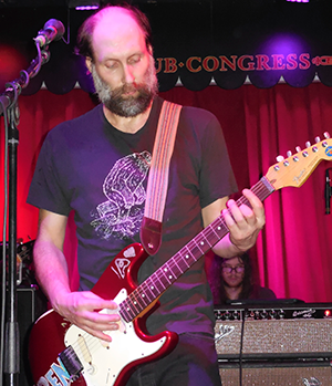 Built-to-Spill-Live-Singer